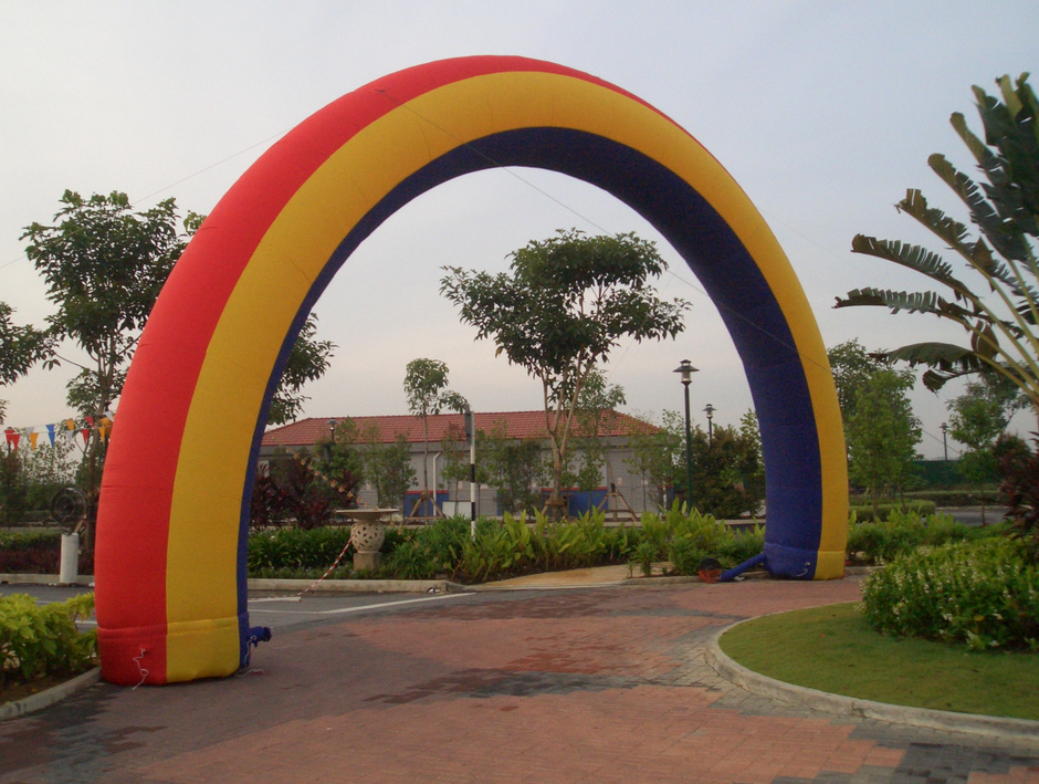 Best Selling Colourful Rainbow Inflatable Arch for Party